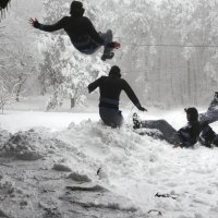 Extreme snow sledding Behind